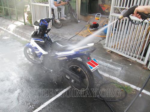 Máy rửa xe áp lực cao Đài Loan cho hiệu quả phun rửa vượt trội