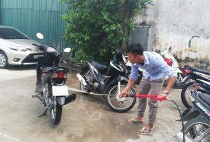 Rửa xe máy thế nào cho sạch và an toàn
