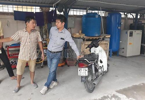 Tại tiệm của anh Tuấn ở Hà Nội