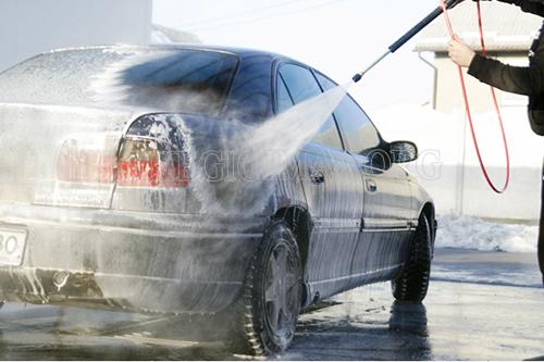 Thiết bị vệ sinh ô tô