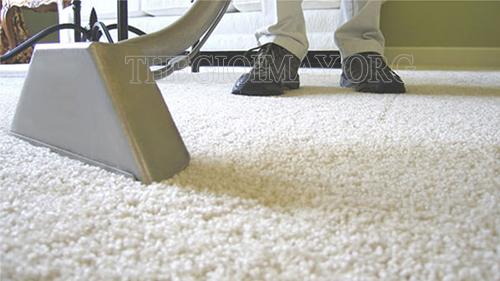 Vệ sinh thảm bằng máy giặt thảm