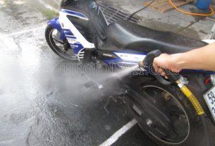 Máy rửa xe 2 ngựa phục vụ nhu cầu xịt rửa xe