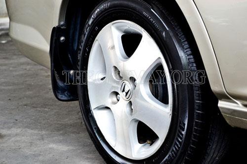 Vệ sinh cho xe thường xuyên sẽ giúp xe sạch đẹp
