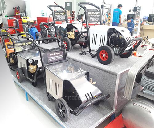 Đa dạng mẫu mã máy rửa xe áp lực, gia đình xuất xứ Trung Quốc