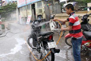 Rửa xe máy theo định kì là điều vô cùng cần thiết
