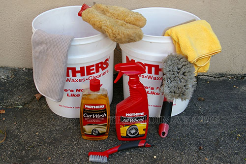 Các dụng cụ hỗ trợ rửa xe
