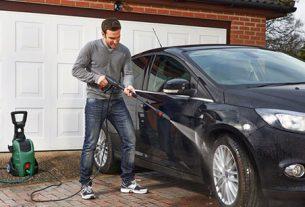 Máy rửa xe xách tay có độ bàn cao, giá hợp lý