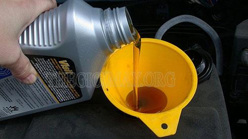 Thay dầu nhớt đúng loại tiêu chuẩn