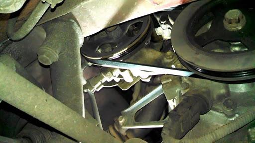 Đai dẫn động bơm trợ lực có thể bị lỏng