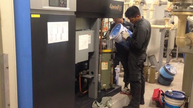 Tiến hành thay dầu định kỳ và đều đặn để đảm bảo chất lượng khí nén