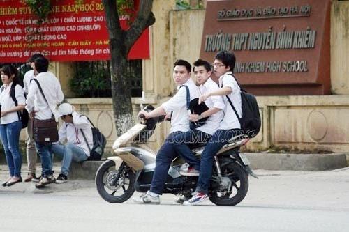 đi xe máy không có giấy tờ lái xe