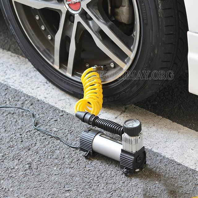 máy bơm lốp xe ô tô mini nhật bản