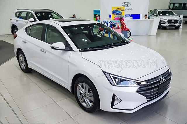 Hyundai-Elantra-1.6MT