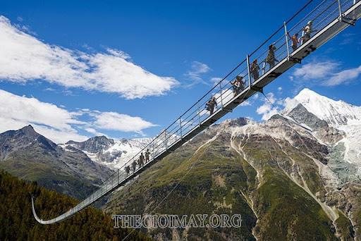 cầu treo dài nhất thế giới